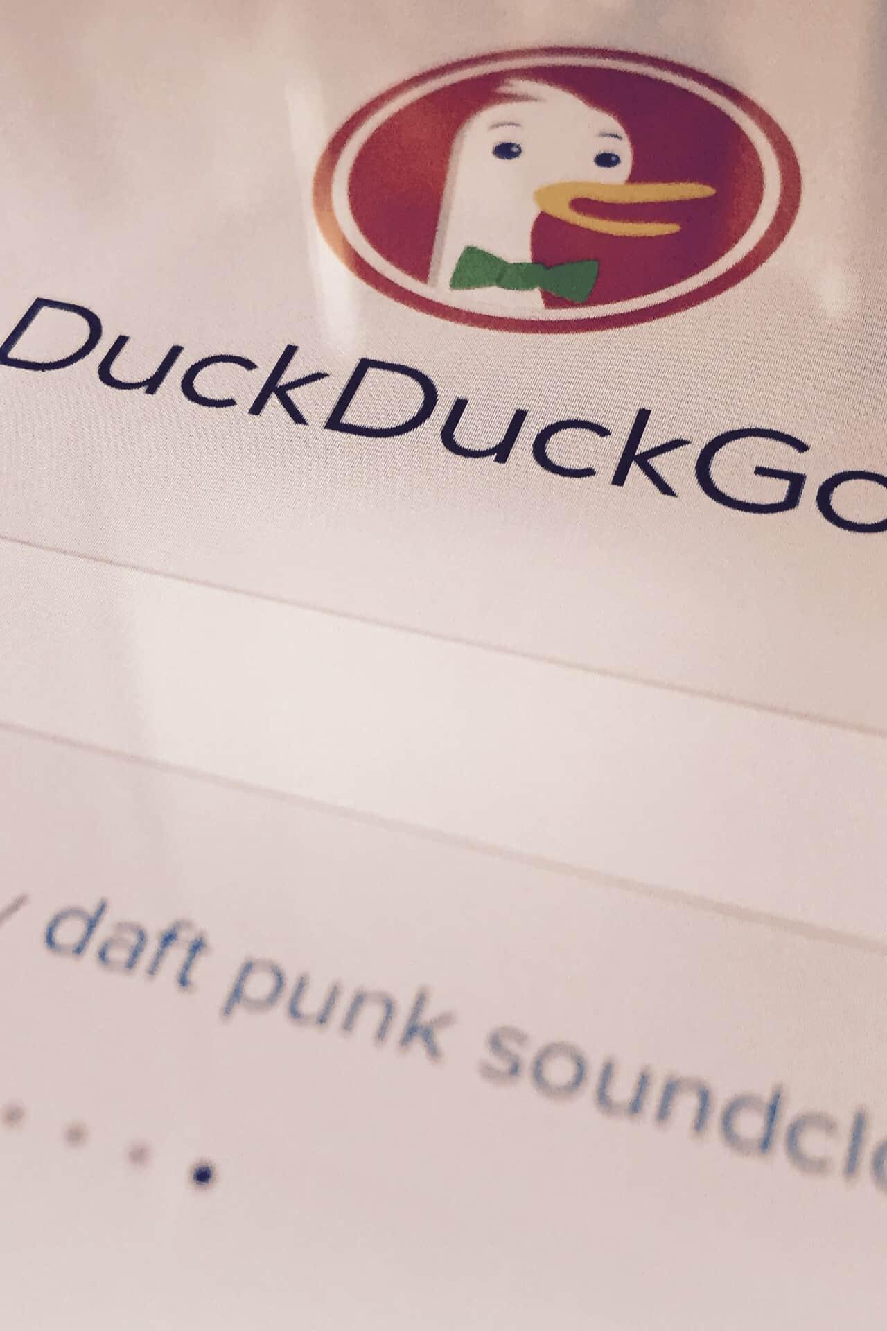 Google DuckDuckGo report traffico organico
